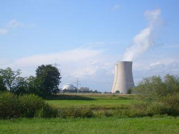 Einige andere Erklärungsversuche: Tschernobyl war ein super gau! ein Super gau ist auch ein erdbeben der stärke 9