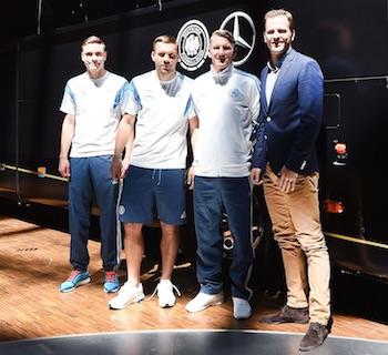 DIE MANNSCHAFT hat einen neuen Stern. Weltmeister fährt nun mit Mercedes Travego M.