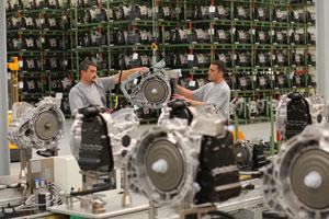 mercedes achmontage powertrain berlin