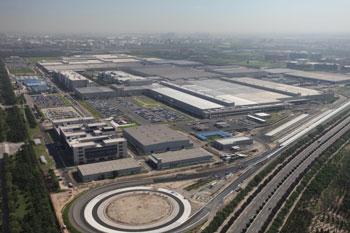 Set 10 Jahre produziert  Daimler Personenwagen in China