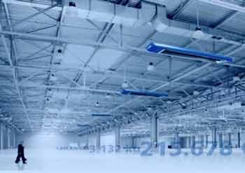 In der Sanierung von Hallengebäuden stecken enorme Einsparpotenziale. Ein neues Mietmodell macht sie schnell und praktikabel nutzbar. (Quelle: KÜBLER GmbH Energiesparende Hallenheizungen)