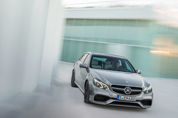 kraftvolles S-Modell  E 63 AMG – mit 4MATIC und als S-Modell