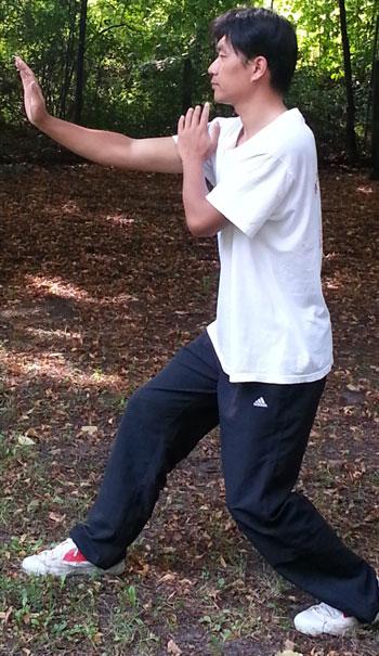 In Berlin wird die Geschichte der alten Kampfkunst Xinyiliuhquan vermittelt und diese auch gelehrt