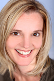 Konzeptionerin Christiane Blenski zeigt auf was wichtig ist den passenden Werbepartner zu finden