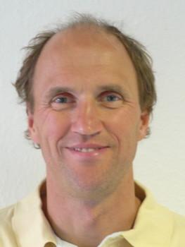 Dr. André Albrecht trainiert mit Ihnen Marathon. Sie lernen was Sie benötigen um gesund in Leistung zu kommen.