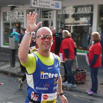 Dr. Andrè Albrecht und das Marathon-Projekt. In Frankfurt wurde der Marathon zum Erfolgserlebnis