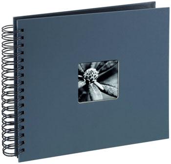 Die vielseitige Verwendbarkeit eines Fotobuches ist nicht nur zu Weihnachten eine tolle Geschenkidee.